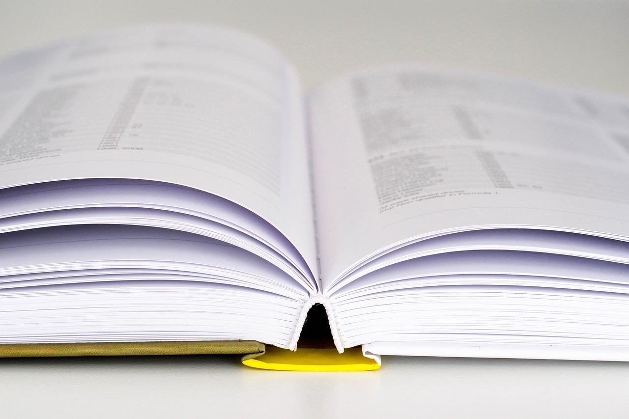 book-1836434_1280